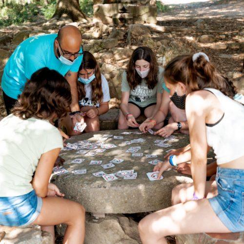 Colònies d'estiu amb hípica per a nens de 10 a 13 anys.